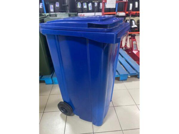 konteiner-dlea-musora-s-kolesami-eu-240-l-blue 1