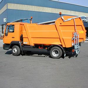 Camion De Gunoi Cu încărcătura Din Spate FARID ММ8