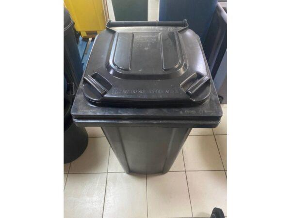 container-dlea-musora-s-kolesami-eu-240-l-black 1