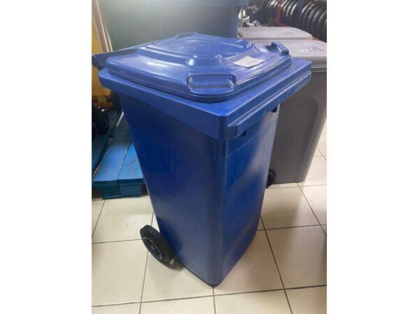 konteiner-dlea-musora-s-colesami-eu-120-l-blue 1