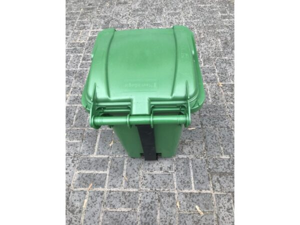Musornyj bak s pedaliyu 80l (zelenyj) EU 03